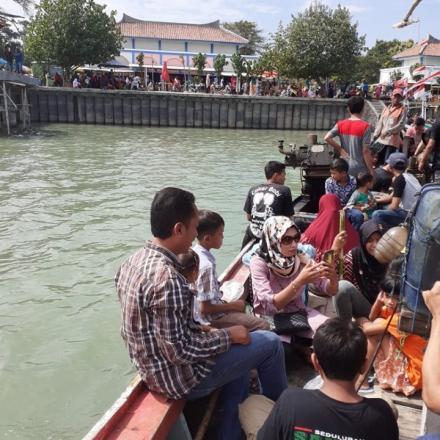 Tradisi Lomban Kupatan / Pesta Laut Tahunan Desa Binangun Kec Lasem